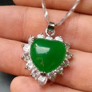 Jewelry - Fashion Green Jade Heart Shape Necklace